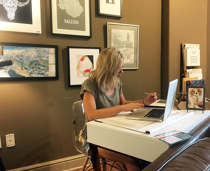 artist-desk