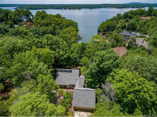 lakefront-home-for-sale
