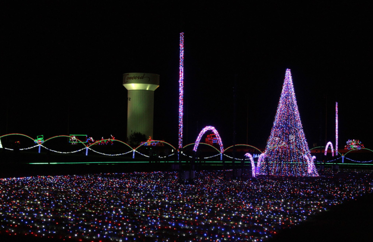 Speedway Christmas Lights.How To Experience Speedway Christmas Charlotte Motor