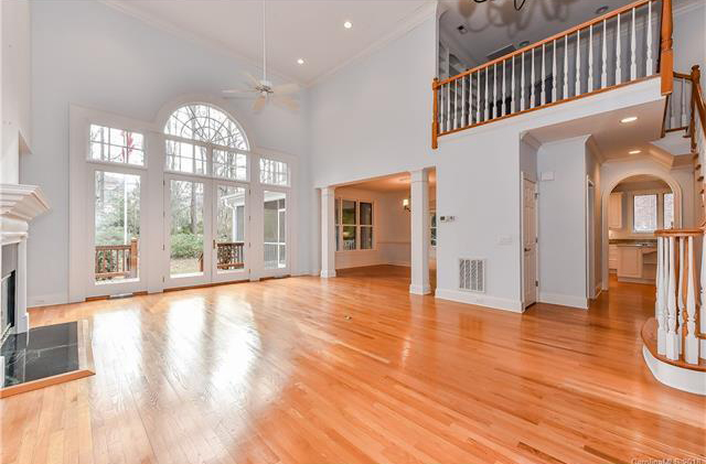 high-cieling-home-for-sale