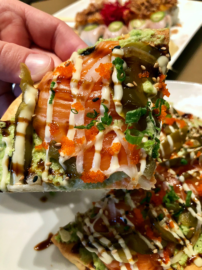 slice-of-sushi-pizza-at-sushi-guru