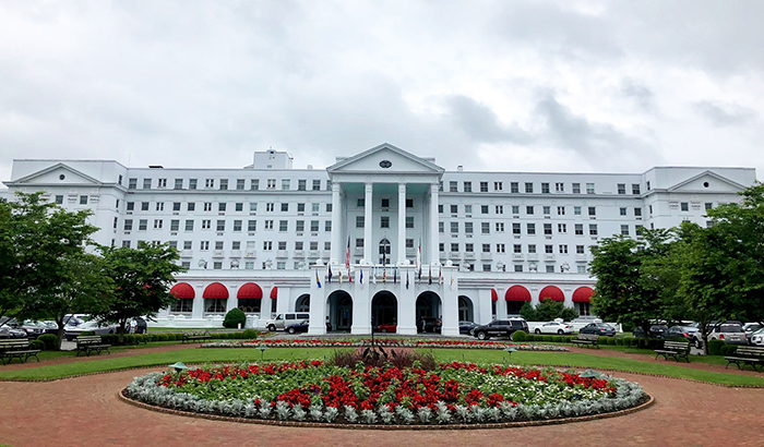 the-greenbrier-hotel-charlotte drive