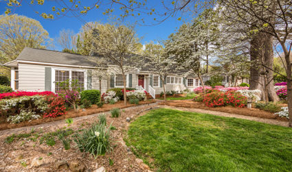 Expansive home in popular Commonwealth Park