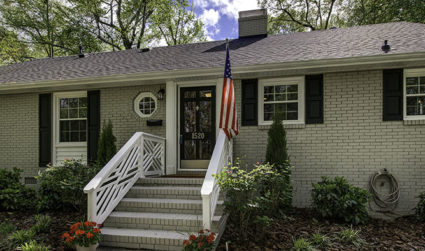 Home of the day: Large home with rare floor plan in Montclaire / 5bd,2ba / $439,900