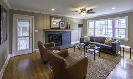 Move-in ready home in walkable Cotswold