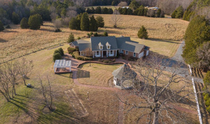 Multi-building estate minutes from downtown Waxhaw