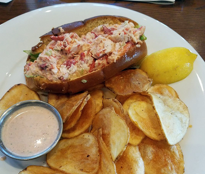 lobster-roll-at-hickory-tavern-charlotte