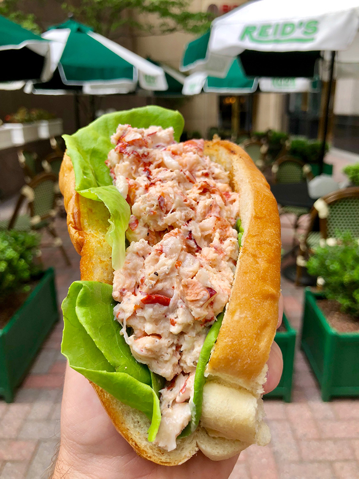 lobster-roll-at-reid's-uptown