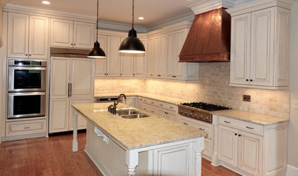 Home of the day: Large townhome with grand staircase and custom kitchen in Cotswold / 4bd,4ba / $1,125,000