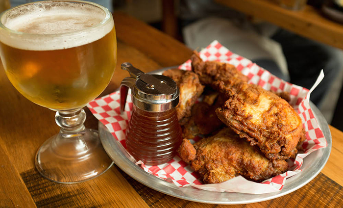 fried-chicken-and-beer-at-the-eagle-restaurant-in-south-end-charlotte