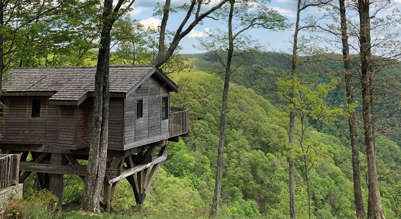 treehouse-at-primland-from-charlotte