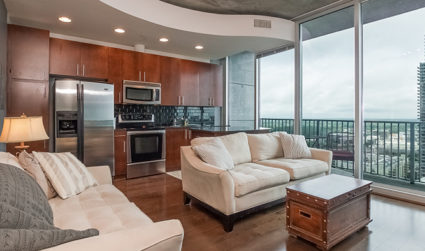 High rise condo in the heart of Uptown