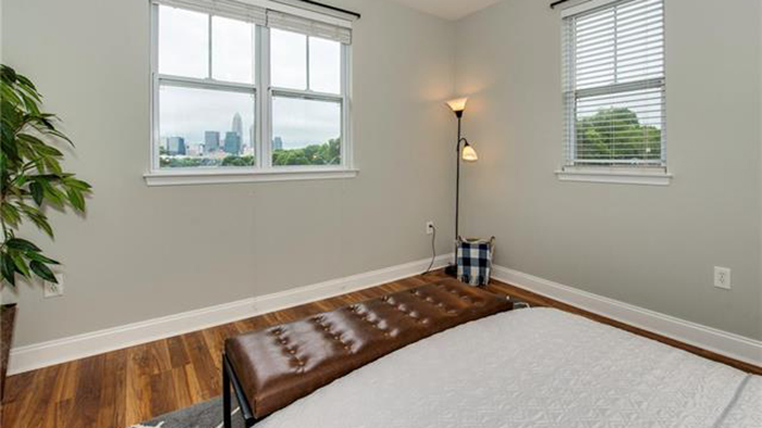 Remodeled Elizabeth condo with spectacular views