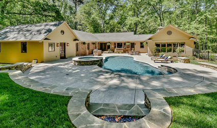 Spectacular remodeled estate with a pool in Valleybrook / 4bd,3.5ba / $1,295,000
