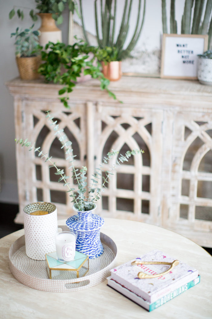 Home Tour This Fashion Blogger S 765 Square Foot Uptown Apartment Was Made For Instagram Charlotte Agenda