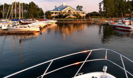 Win a boat rental on Lake Norman and lunch for 4 at the Peninsula Yacht Club with Morningstar Marinas.