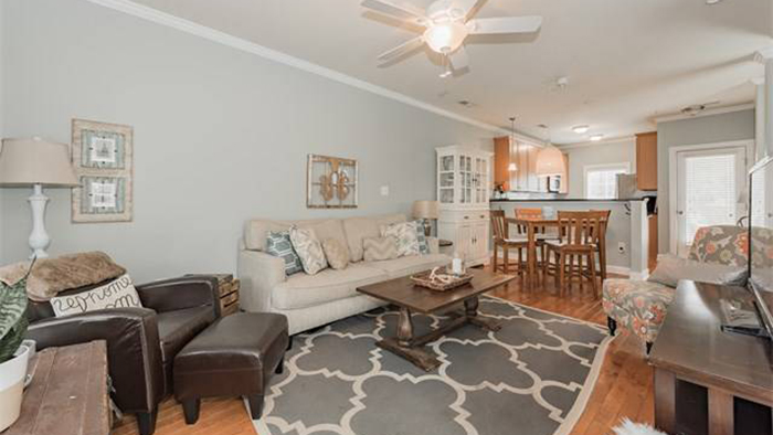 Charming end-unit townhome