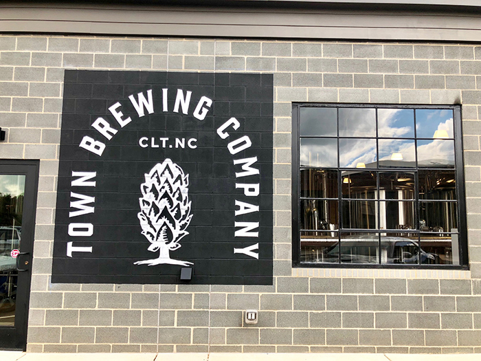 signage-and-logo-at-town-brewing