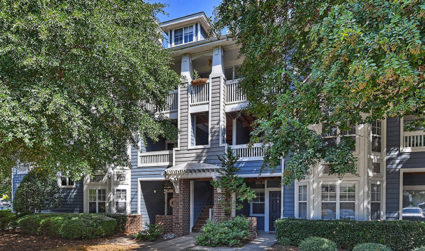 Affordable condo in Olmstead Park