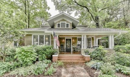Exquisitely renovated historic bungalow