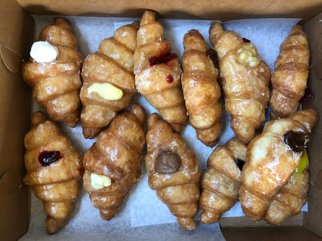 Bakery known for its fried stuffed croissants now open near Uptown