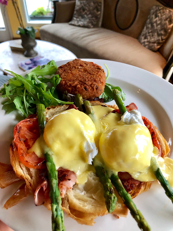 Super 15 Best Brunch Spots In Charlotte Plus What To Order At Interior Design Ideas Truasarkarijobsexamcom