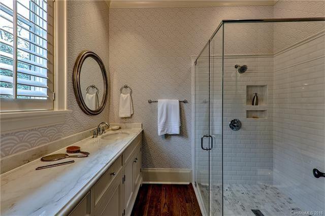1119 Granville Road bathroom