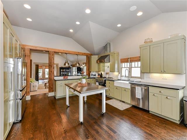 1201 Lilac Road kitchen