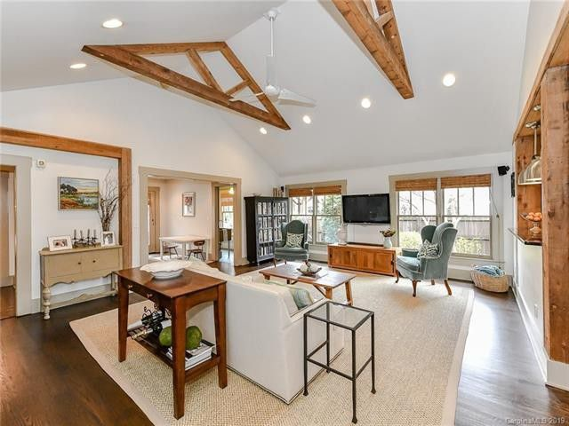 1201 Lilac Road living room