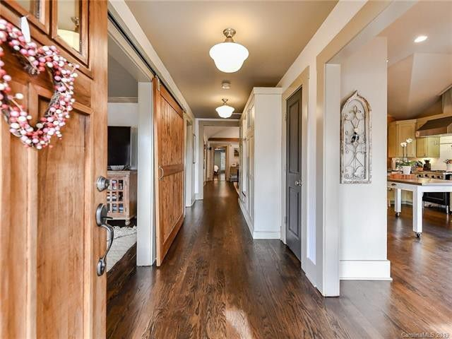 1202 Lilac Road entry