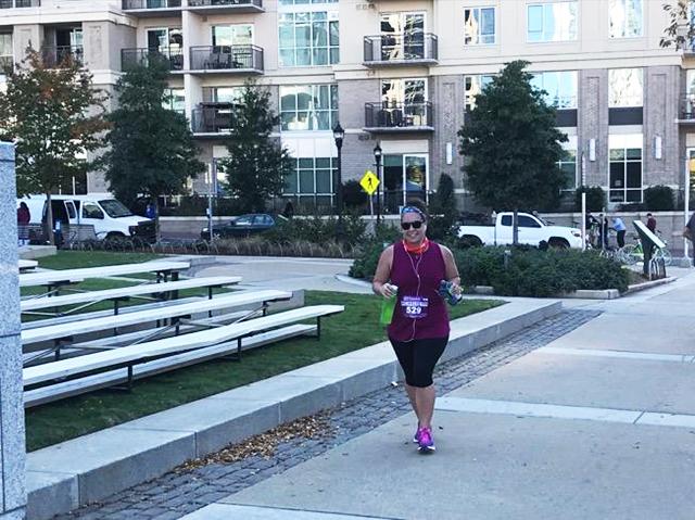 charlotte-marathon-runner