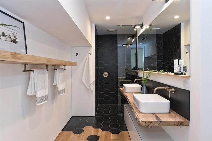 1825 Merriman Ave. master bath