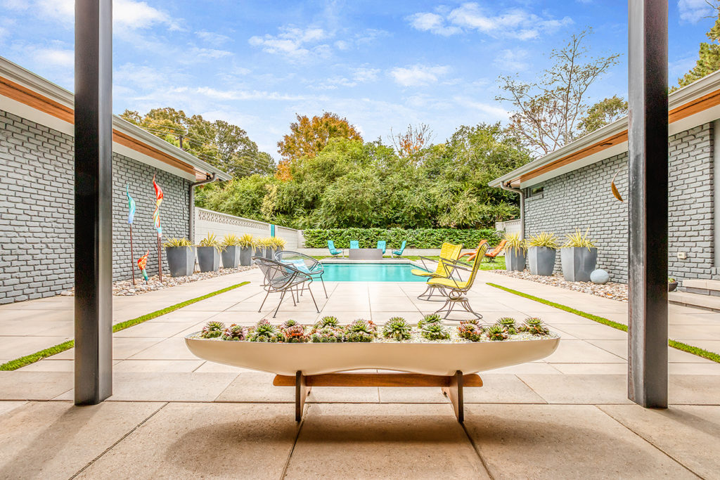 Rare mid-century modern house in SouthPark asks $1.49M