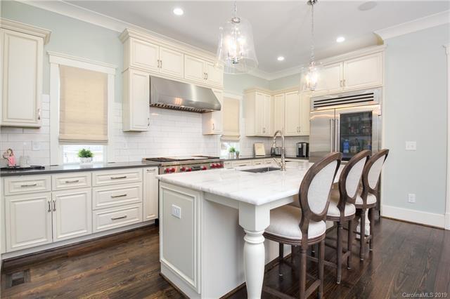 536 E. Tremont Ave. kitchen