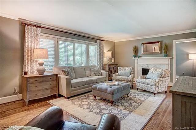 426 Ellsworth Road living room
