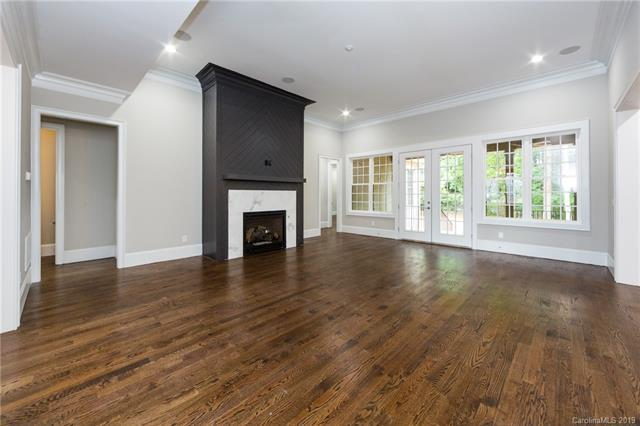 4329 Tottenham Road living room