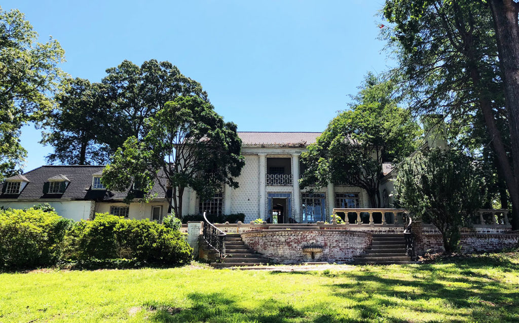 Under contract: 80-year-old estate near Charlotte Country Club undergoing restoration, Grandfather Homes President Matt Ewers to move in