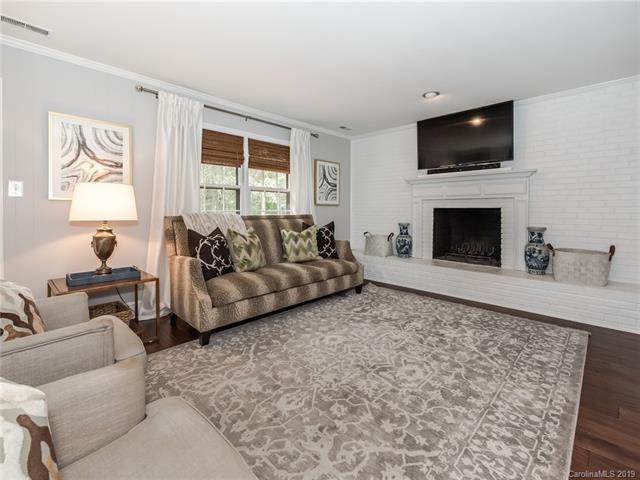 4720 Quail Canyon Drive living room