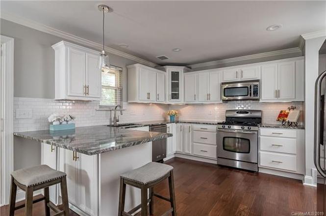 5114 Seacroft Road kitchen