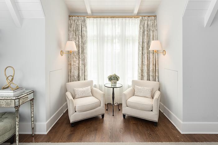 Hillside house master bed sitting area