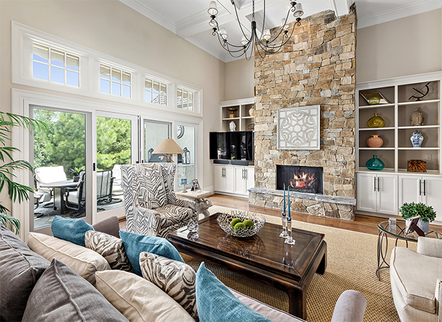 13541 Grand Palisades Parkway living room