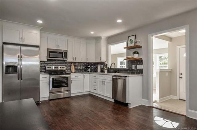 1500 Dean St kitchen