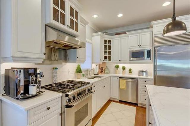 1709 Dilworth Rd W Unit D kitchen