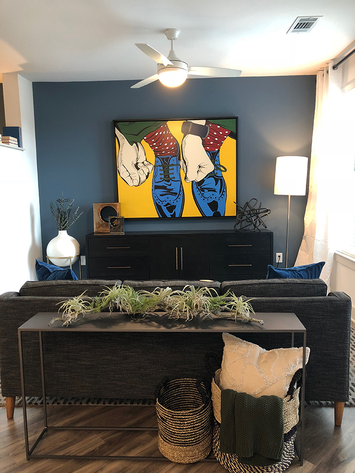 Bradham at New Bern Station living room with accent