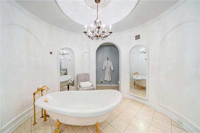 Hickory mediterranean renovation master bathtub