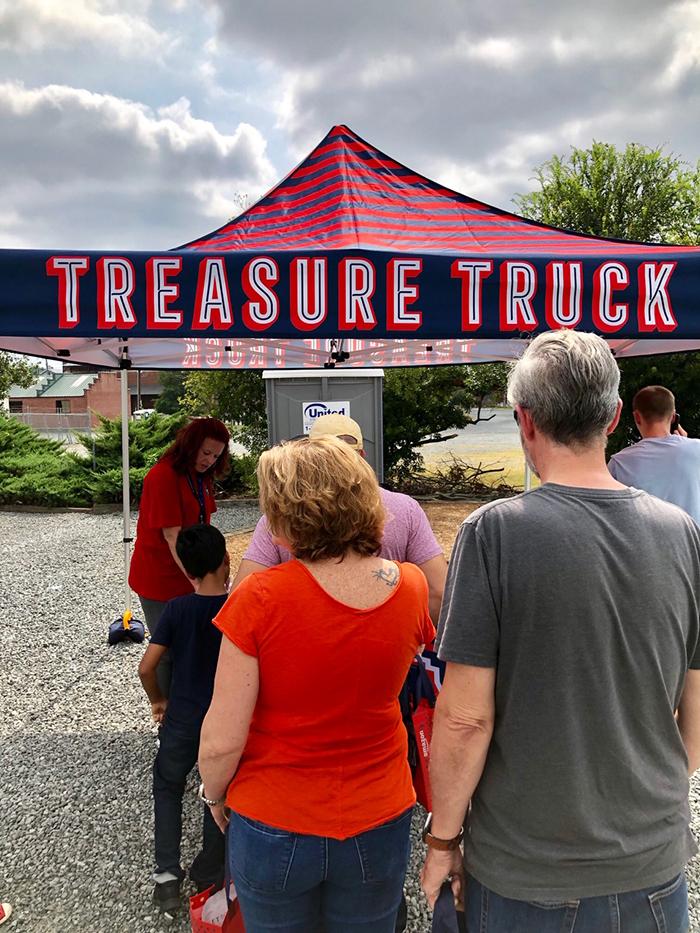 line at amazon treasure truck
