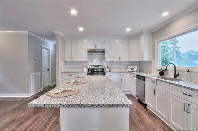 3600 Rosehaven Drive kitchen