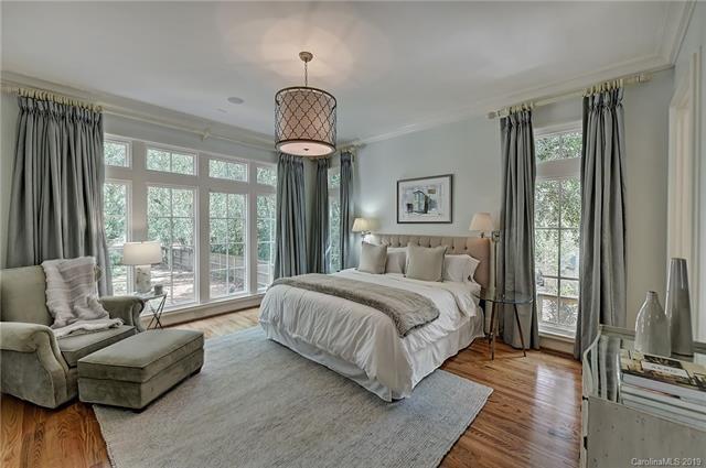 3919 Abingdon Road bedroom