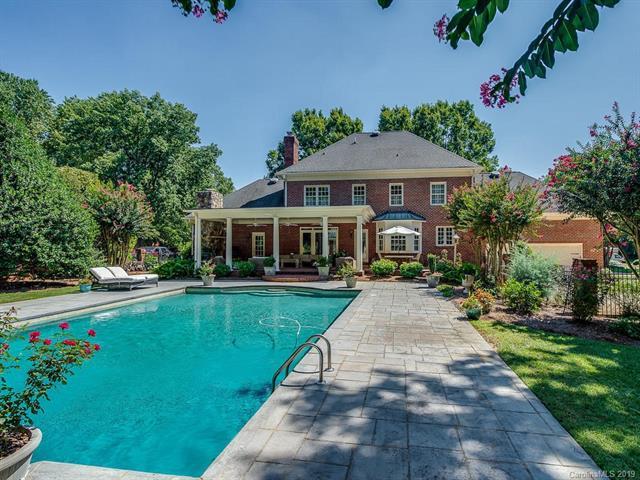 6738 N Baltusrol Lane pool and yard