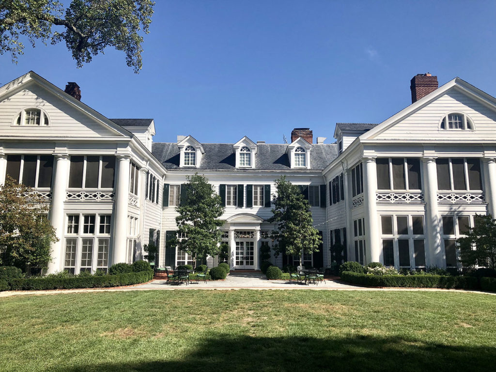 Home Tour: 17 photos and user's guide to the Duke Mansion, a former private home with 20 bedrooms you can book
